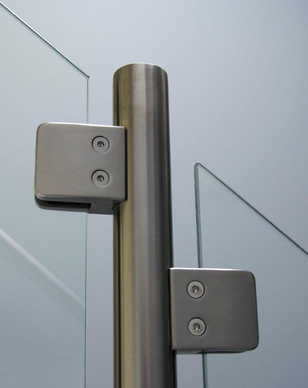 detail foto van balustrade met glas